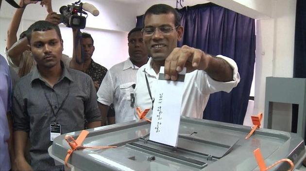 Voting begins in Maldives presidential polls