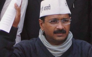'Referendum on army in Kashmir': Arvind Kejriwal disagrees with Mr. Bhushan's comment