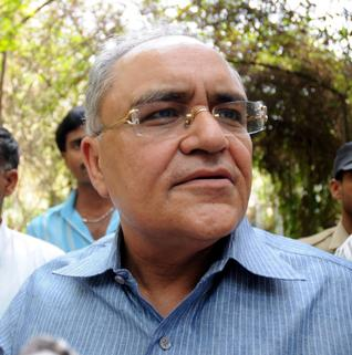 Government dragging feet in Justice Ganguly case: Balbir Punj