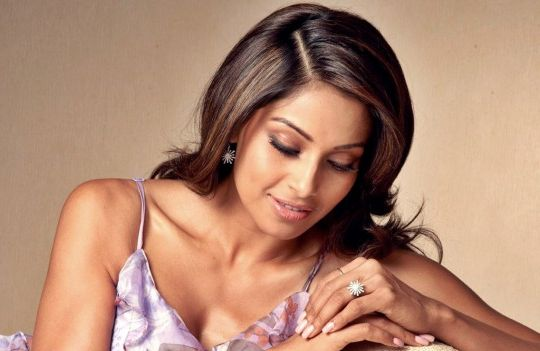 I'll have a Bengali wedding: Actress Bipasha Basu