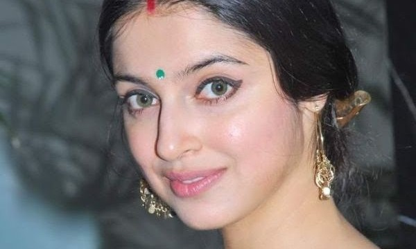 My husband is smart, strict producer: Divya Khosla Kumar