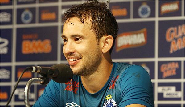 Ribeiro in talks over Man U transfer, reveals agaent