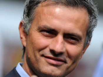 `Special One` Mourinho took a pay cut to rejoin Chelsea because he `loves` club!