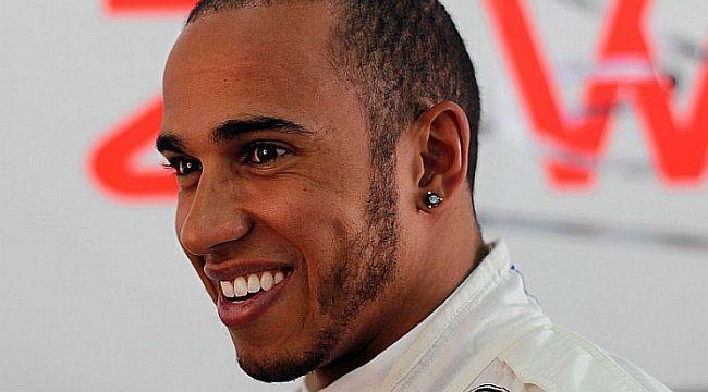 Hamilton to propose to Scherzinger