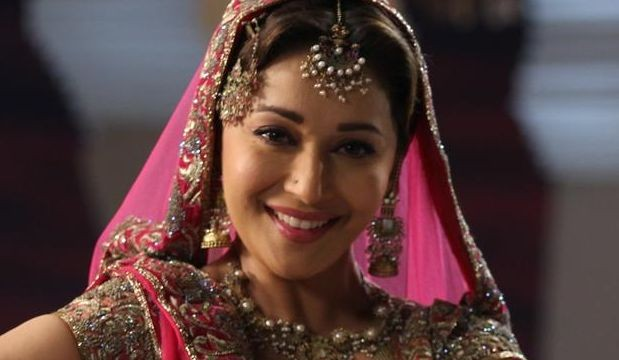 Madhuri hopes to act with Big B one day