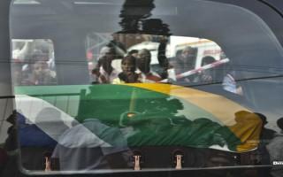 Mandela's body taken to presidential inauguration site