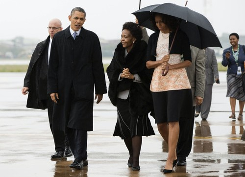 World leaders walk in for Mandela memorial service