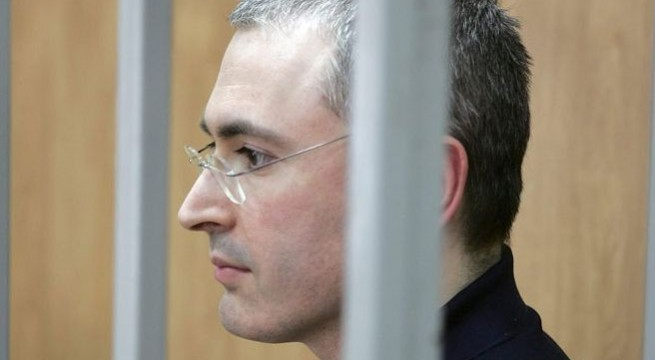 Mikhail Khodorkovsky meets family as free man in Germany