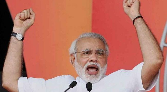 Narendra Modi speaks at a Vijay Shankhnad rally in Gorakhpur, Uttar Pradesh