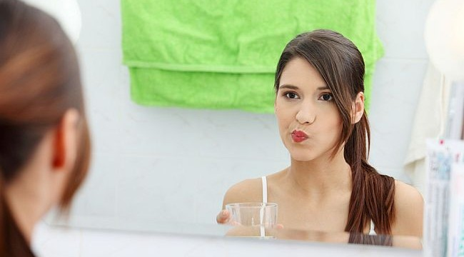 `Oil pulling therapy` latest fad in dental care