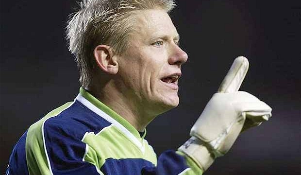 Schmeichel says Man U should `axe` six players who `don't care about club`