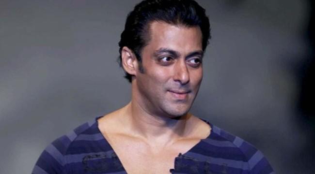 Salman Khan unveils 'Jai Ho's trailer