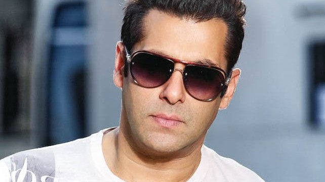 Bollywood Dabangg superstar salman khan turning 48