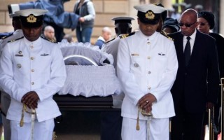 South Africa mourns as Mandela lies in state for second day