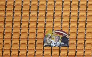 South Africans brave rain for Mandela memorial service