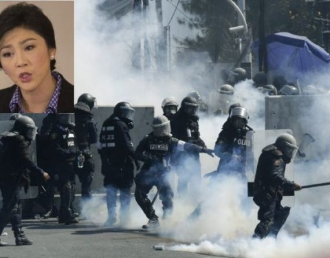 Rocks, tear gas fly as Thai protests escalate