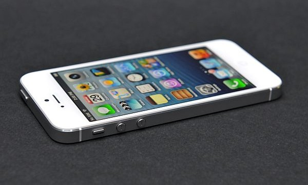 Indians pay most for Apple iPhone 5S: Study