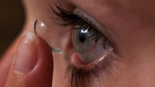 Drug-dispensing contact lens could replace imprecise eye drop treatment