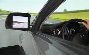 Driver's eye movements play key role in controlled curve driving