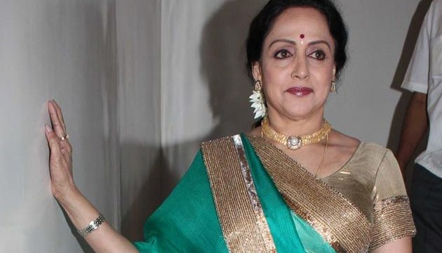 Dharamji, child-like always: Hema Malini
