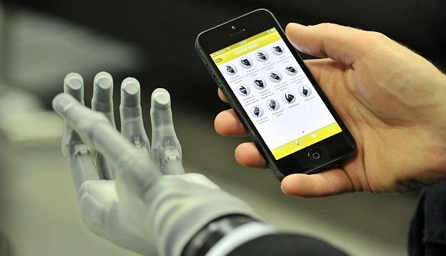 Now, lift heavy objects with smartphone-controlled app!