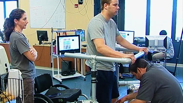 New treatment helps people with spine injuries walk better