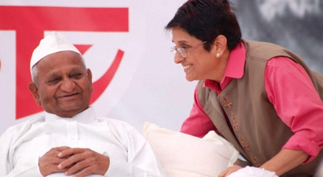 Parliament passes Lokpal Bill, Anna Hazare celebrates