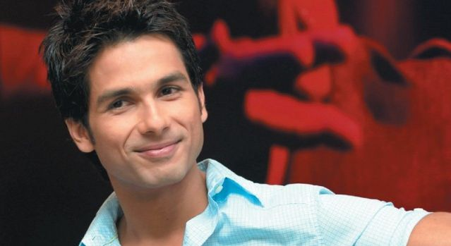 I have few friends in film industry: Shahid Kapoor
