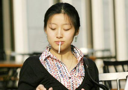 Want to stop smoking? Seek professional help