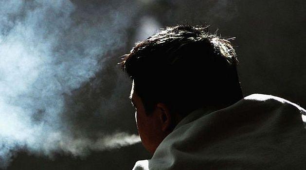 Smoking affects good night's sleep too