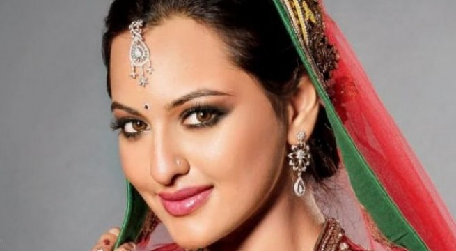 Sonakshi Sinha says not `slave to fashion`