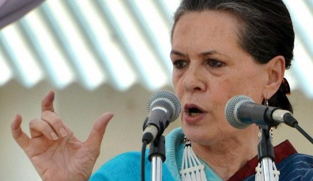 Sonia Gandhi asks party men to be ready for 2014 battle