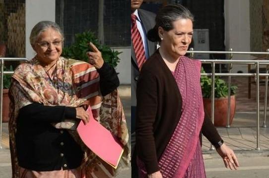 Sonia Gandhi, Sheila Dikshit cast vote