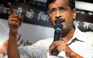 Delhi CM Arvind Kejriwal to sit on dharna if cops not suspended