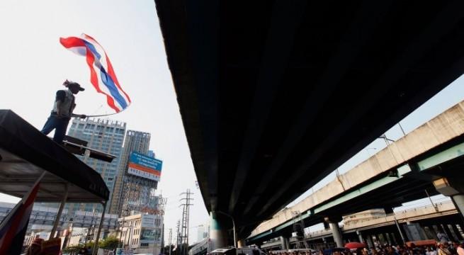 bangkok_protests_2nd_day