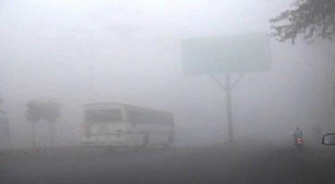 Fog badly disrupts air traffic, 150 flights affected