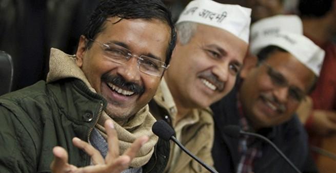 Delhi CM Mr. Arvind Kejriwal leaves Janata Darbar midway due to chaos