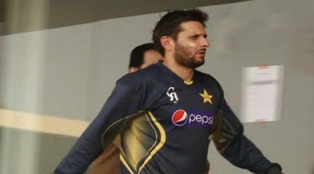 ShahidAfridi-Injured_2-20-2014_138513_l
