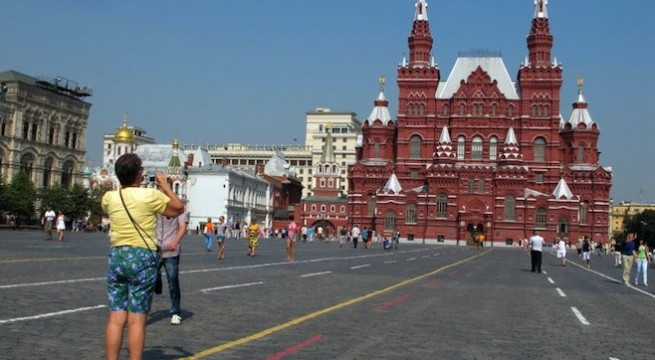 tourists_moscow_russia