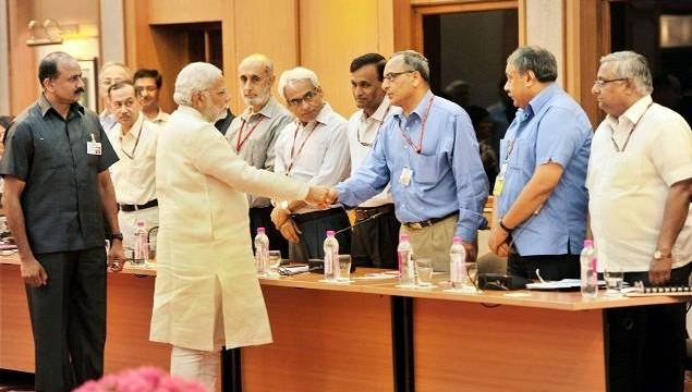 pm_modi_meets_top_bureaucrats