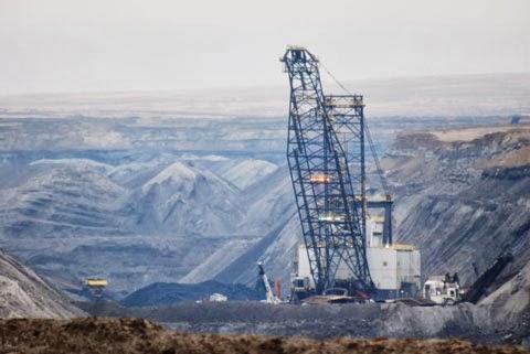 massive-coal-mine