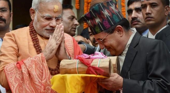 Narendra Modi visits  Pashupatinath temple