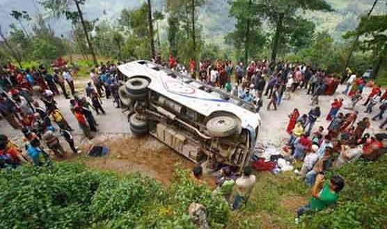 Nepal-Bus-accident-556x330