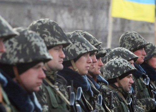 295446-291481-283444-ukraine-border-guards-afp