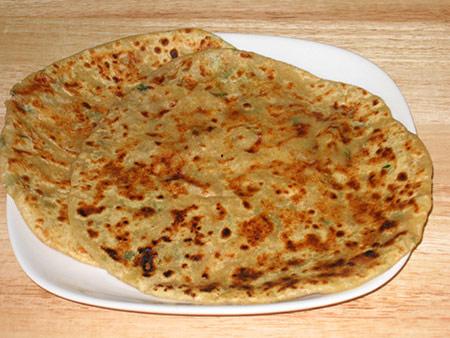 aloo_paratha_punjabi_famous_food1