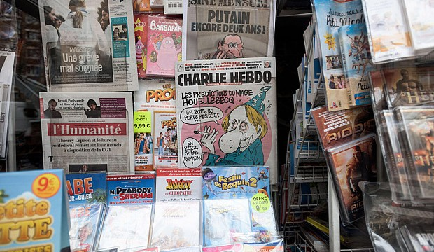 Paris, France. 7th January, 2015. French satirical newspaper Charlie Hebdo in a newsstand in Paris Jan 7, 2015. Charlie Hebdo offices were attacked by heavily-armed gunmen who killed 12 people in downtown Paris. © Haytham Pictures/Alamy Live News
